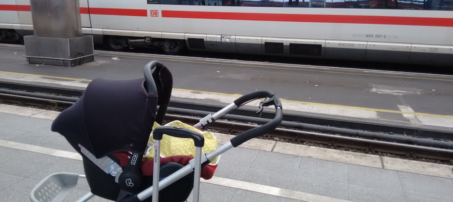 Kinderwagen Bahn